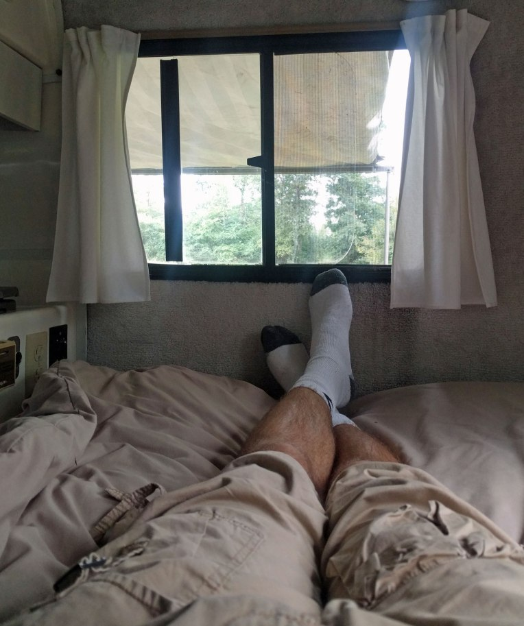 casita-feet-camping-bed