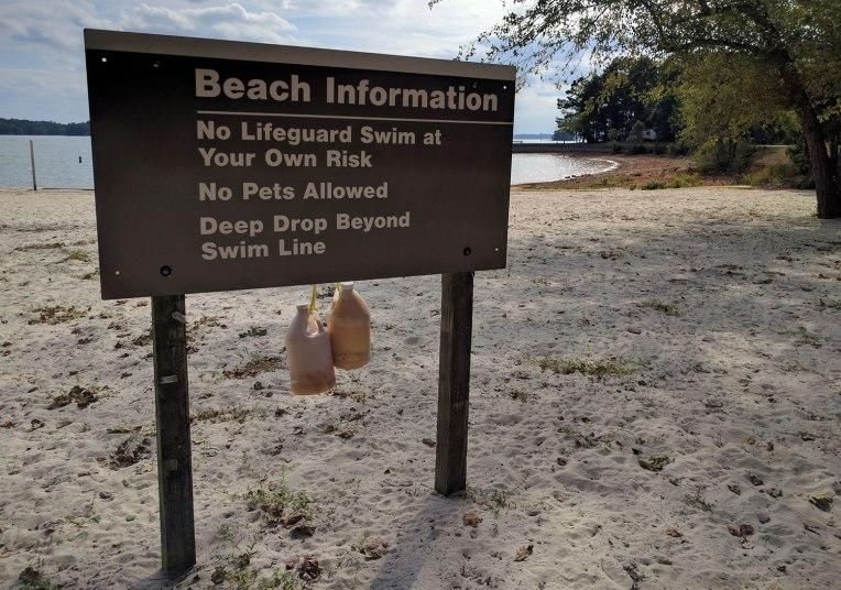 beach-sign