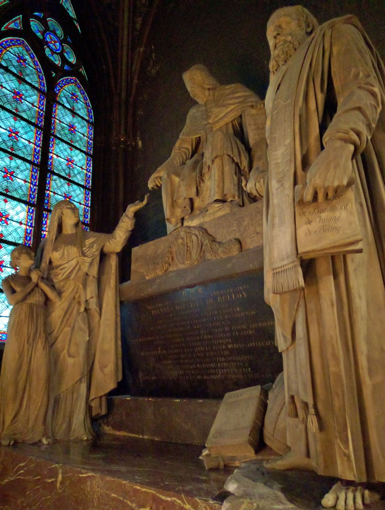 paris-inside-church-statues