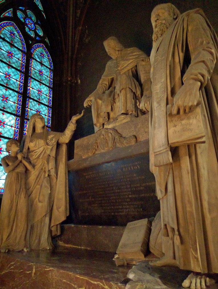 paris-inside-church-statues