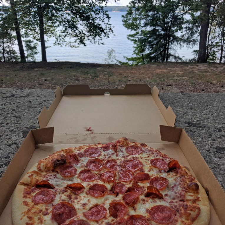 pizza-lake
